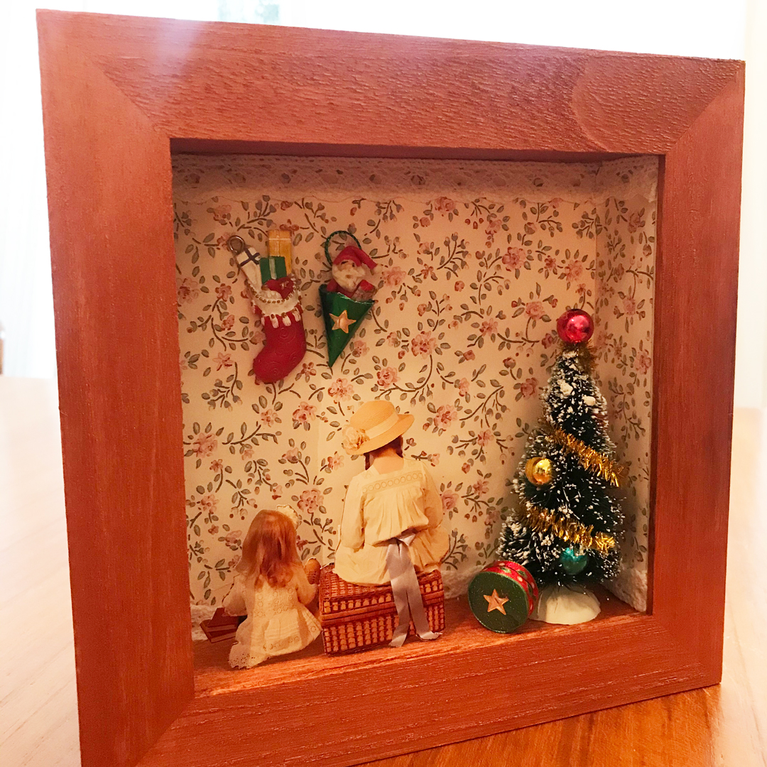 retro photo frame children's room antique dresses 1900
