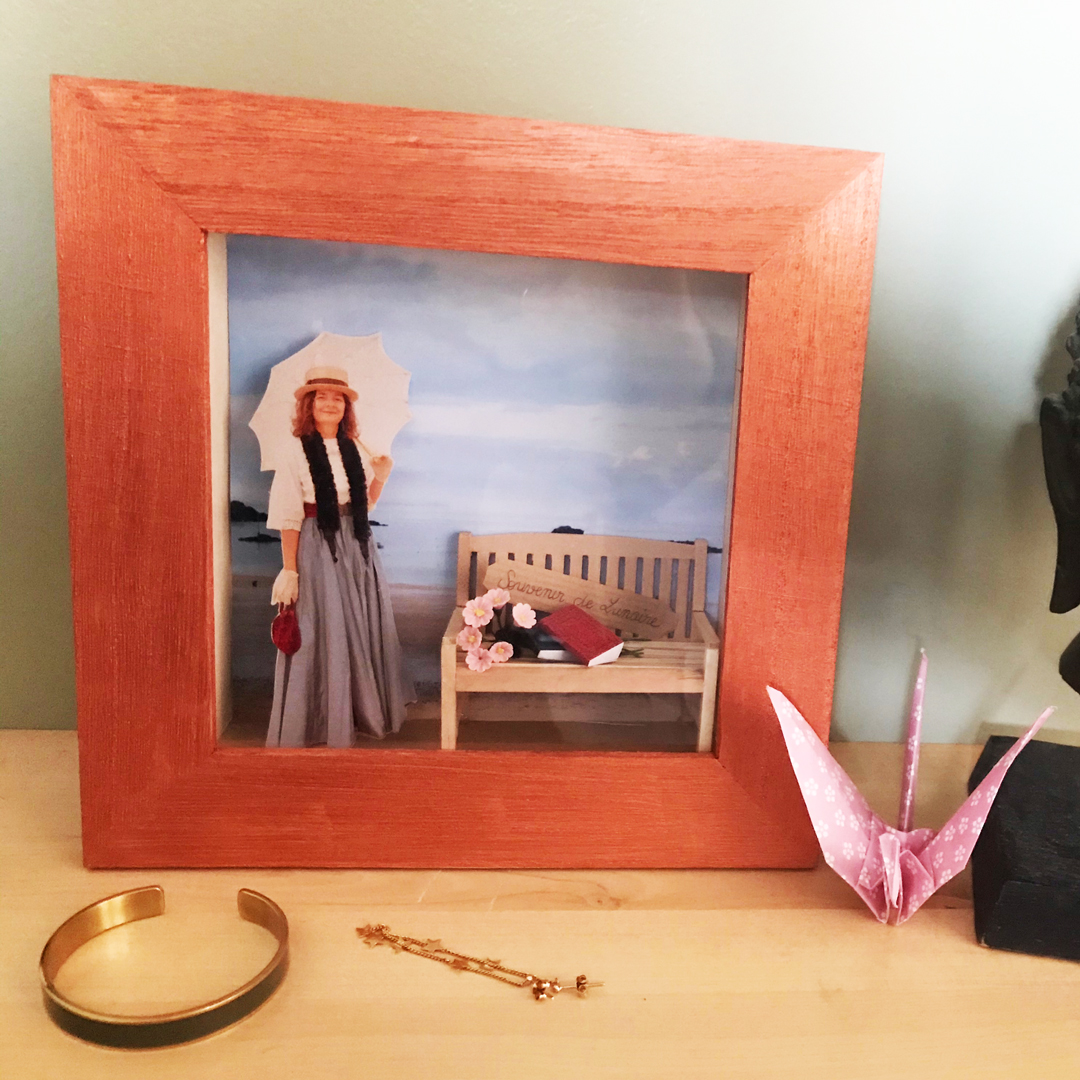 wooden picture frame sea souvenir holiday of yesteryear