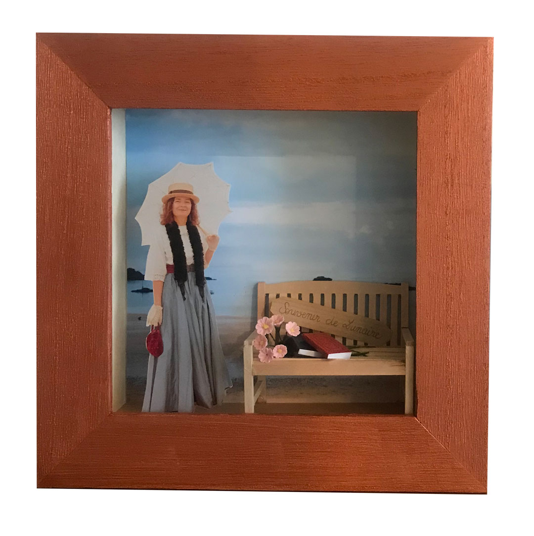 retro 1900 photo display cases Portrait photo sessions in vintage 1900 Belle Epoque fashion customized framing
