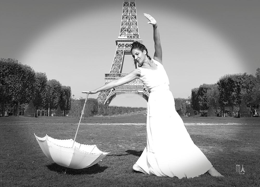 Photo 1900 rétro Séances photos portraits en tenues vintage 1900 mode Belle Epoque danseuse tour Eiffel paris